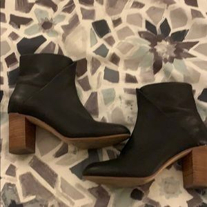 Soludos black heeled bootie